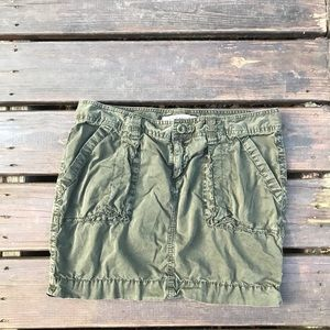 Old Navy Army Green Cargo Miniskirt | Size 10